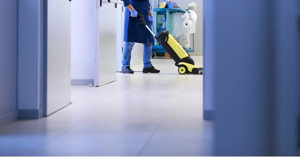 Afinal, trabalhadores que executam serviços de limpeza têm direito ao adicional de insalubridade?